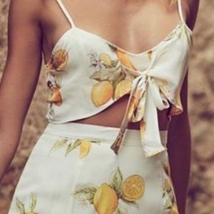 For love and lemons 🍋 crop top